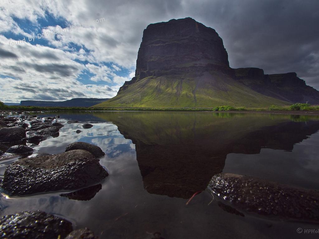 Cs15.dataditpubpublished20160225joythis.com_L__magn__pur__Iceland._Photographed_by_Hallgr__mur_P._Helgason._1024x680_farm8.staticflickr.com_7267_7544897484_120a0e0e29_b_1024x768_stamped.jpg