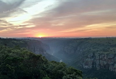 Cs15.dataditpubpublished20160225joythis.com_The_Oribi_Gorge__KwaZulu-Natal__South_Africa_2686x1517_i.imgur_.com_UFRUOCk_1024x768_stamped.jpg