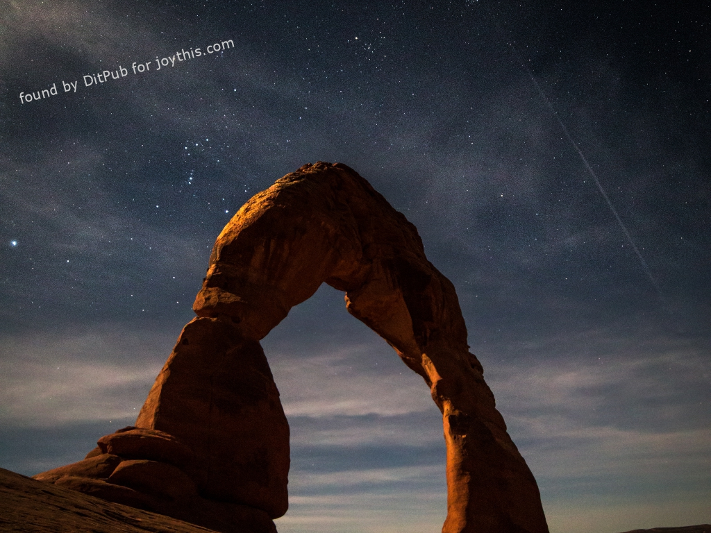 Cs15.dataditpubpublished20160226joythis.com_Also_my_first_time_to_Arches_National_Park__The_moonrise_over_Delicate_Arch_was_incredible_OC_i.imgur_.com_u3OFwZm_1024x768_stamped.jpg