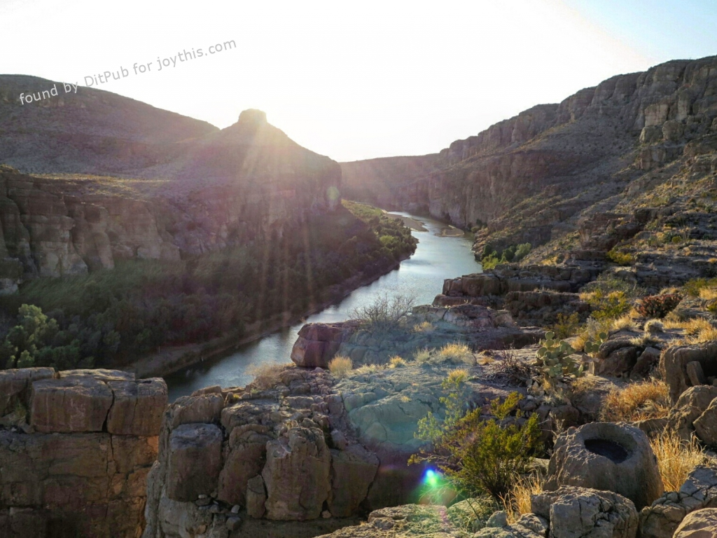 Cs15.dataditpubpublished20160226joythis.com_Hot_spring_canyon_-_Big_Bend_National_Park__TX_OC1600x1200_i.imgur_.com_nHylOPL_1024x768_stamped.jpg