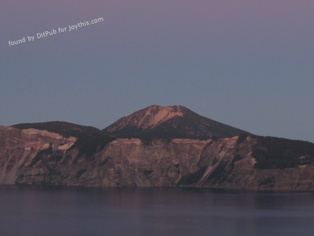 Cs15.dataditpubpublished20160226joythis.com_OC_The_eclipsed_supermoon_of_September_27__2015_over_the_caldera_of_Crater_Lake__OR_4608_x_34_i.imgur_.com_4xXE9sX_1024x768_stamped.jpg