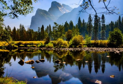 Cs15.dataditpubpublished20160226joythis.com_Yosemite_Valley_in_the_fall_OC1500x1000_farm2.staticflickr.com_1682_24974398800_ed7fb1b846_b_1024x768_stamped.jpg